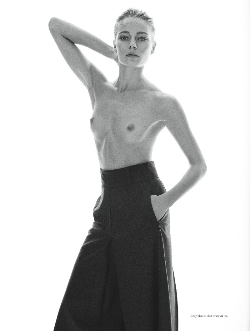 Ieva poses topless in shorts from Giulietta