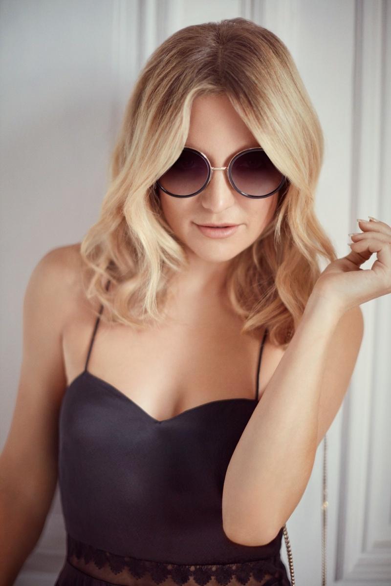 Kate Hudson wears Andie sunglasses from Jimmy Choo