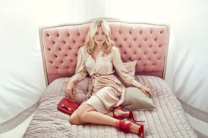 Kate Hudson Styles (and Wears) Jimmy Choo's Fall 2015 Collection