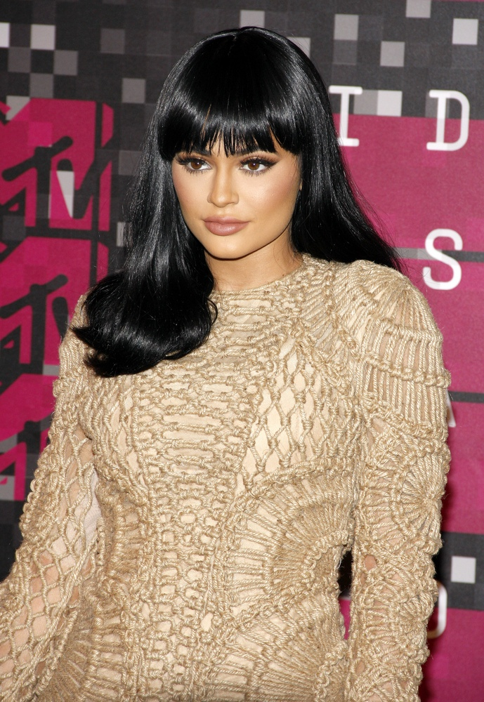 BEFORE: Kylie Jenner with black hair at the 2015 MTV VMAs. Photo: Tinseltown / Shutterstock.com