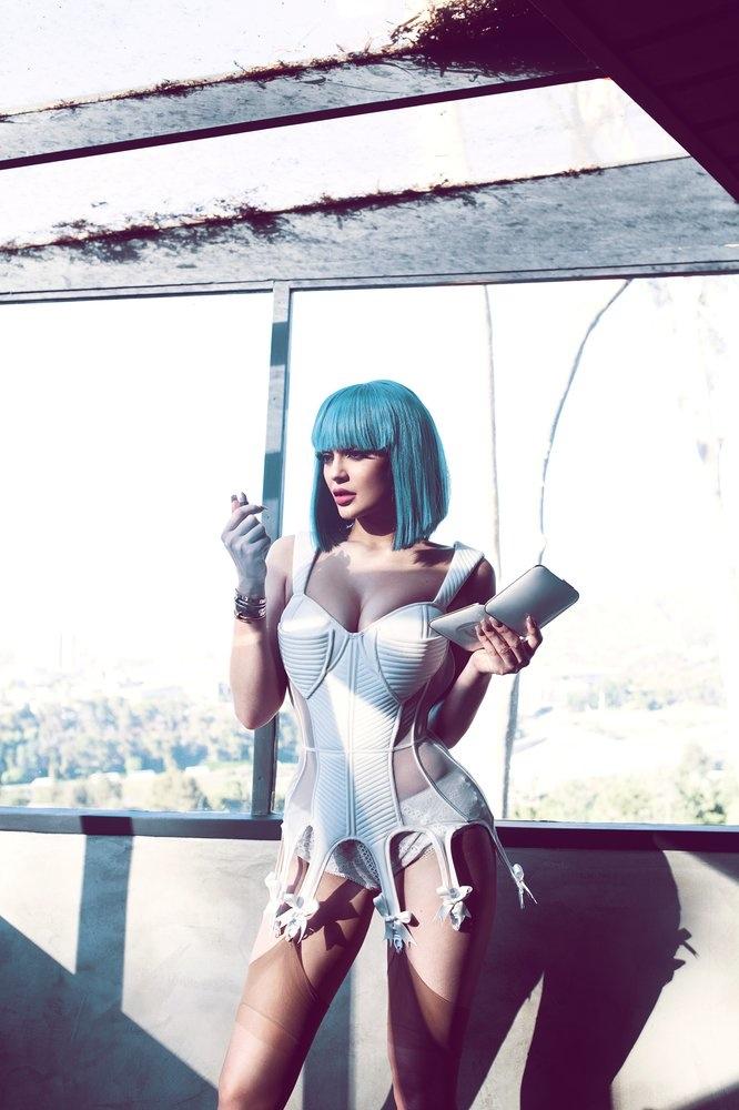 Kylie-Jenner-Sasha-Samsonova-2015-Photoshoot05