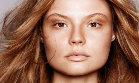 Magdalena-Frackowiak-ELLE-France-September-2015-Cover-Editorial02