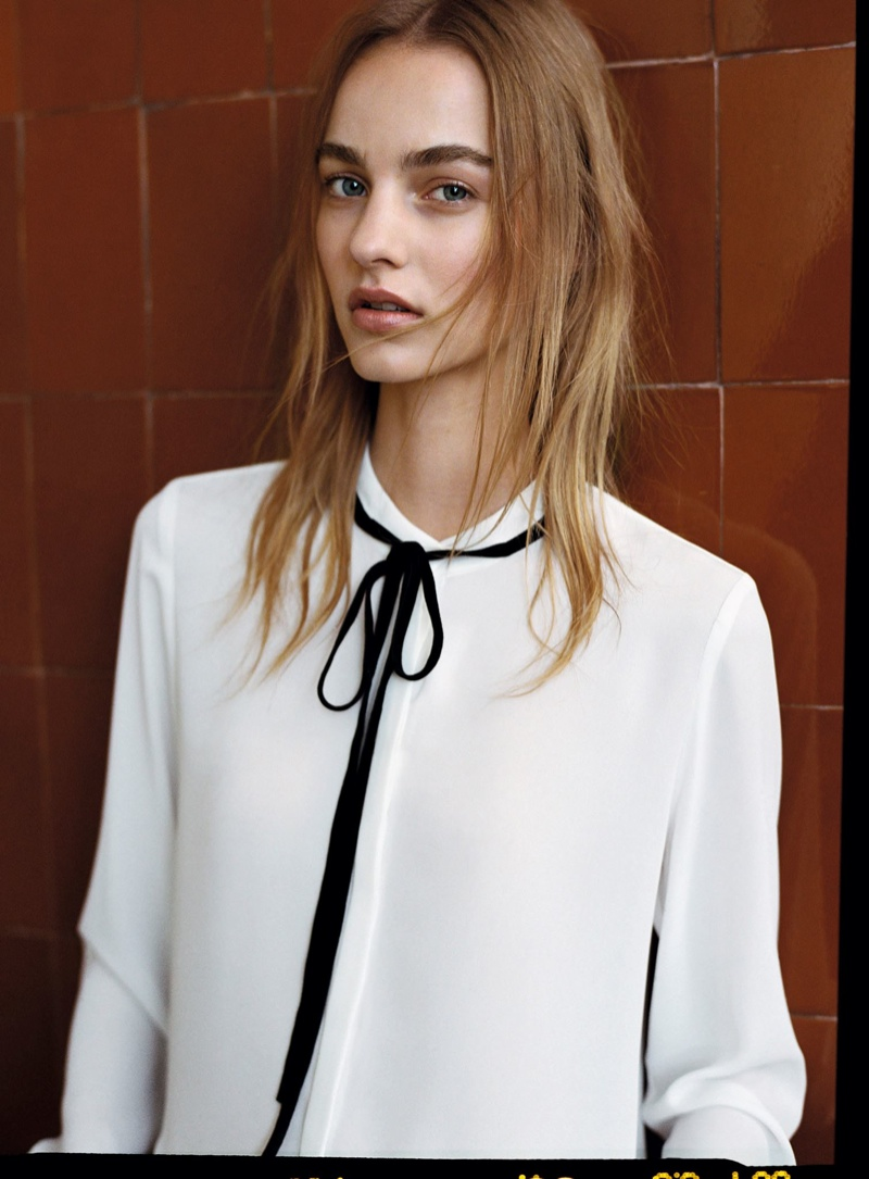 Maartje models blouse from Mango