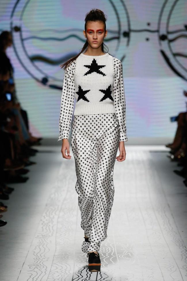 Max Mara Spring 2016 | Milan Fashion Week
