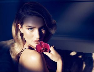 Rosie Huntington-Whiteley Seduces in Nuit Fragrance for Autograph