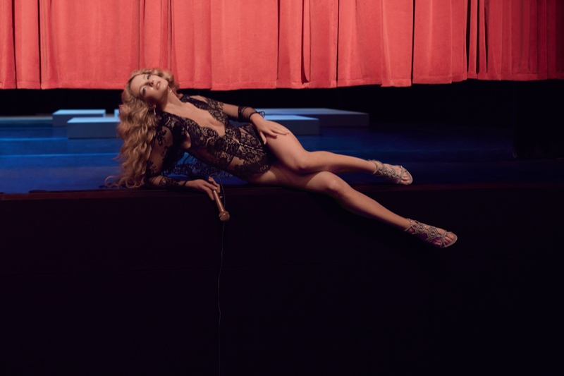 Agent-Provocateur-Soiree-Fall-2015-Collection04