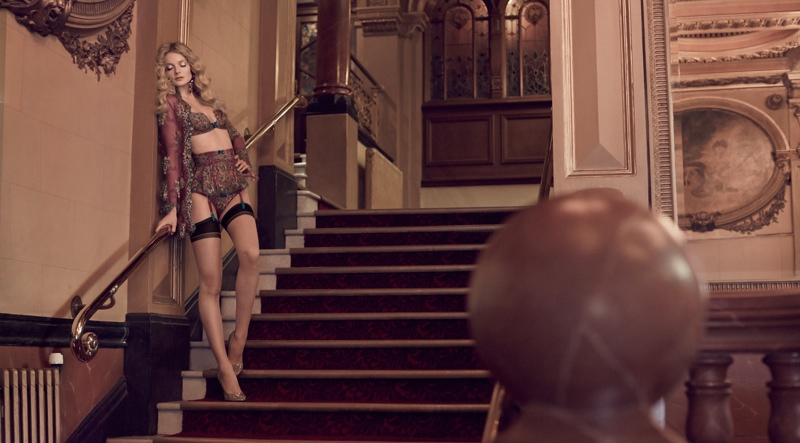 Agent-Provocateur-Soiree-Fall-2015-Collection07