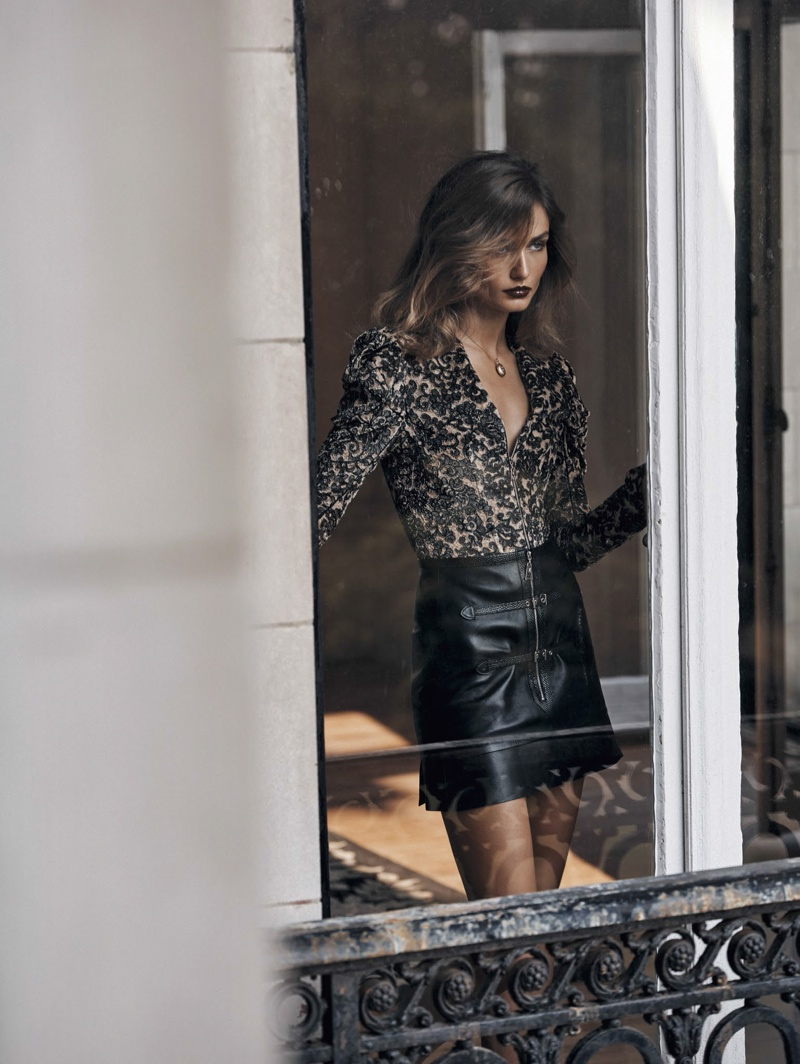 Andreea-Diaconu-Vogue-China-November-2015-Editorial08