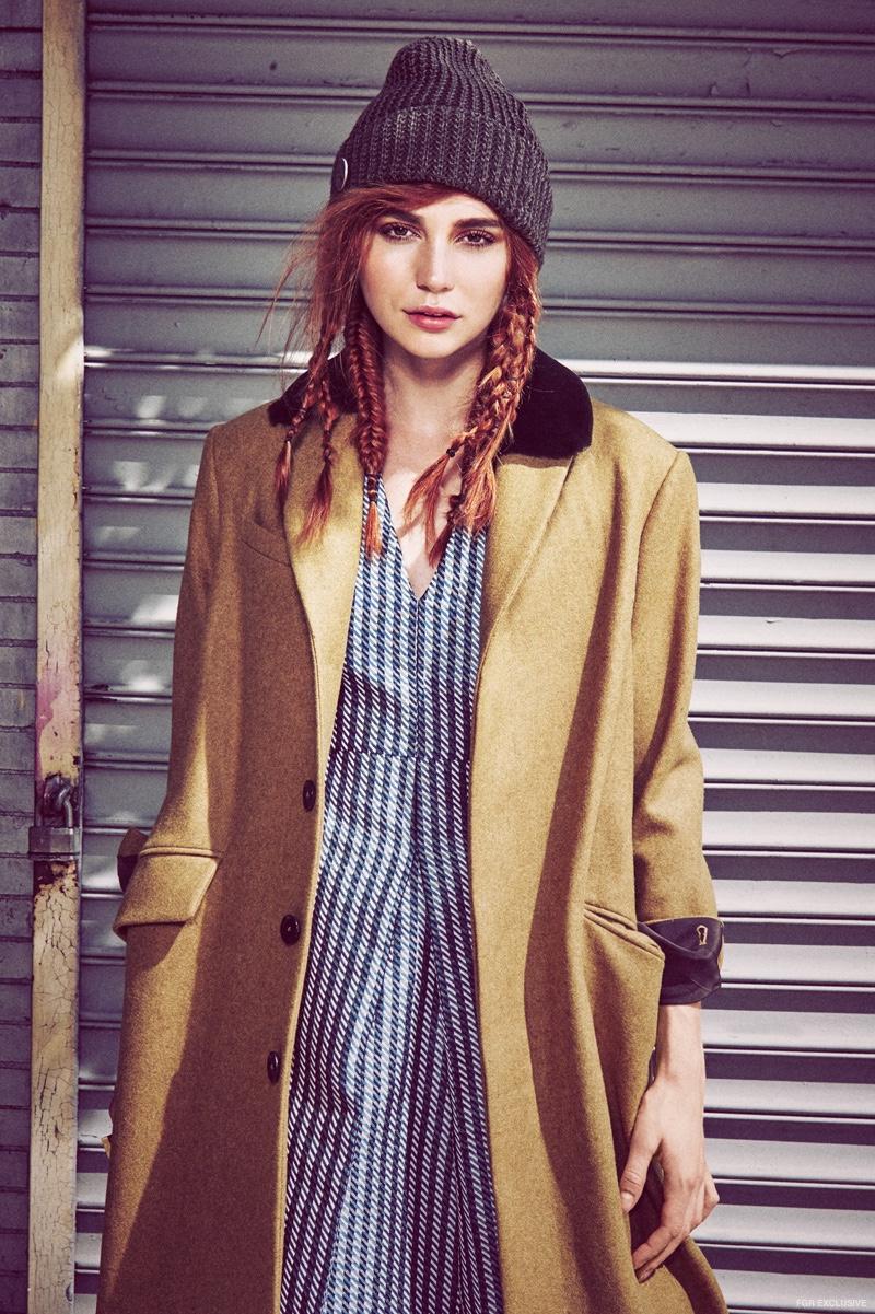 Coat M. Patmos, Dress SVILU, Beanie Spiewak