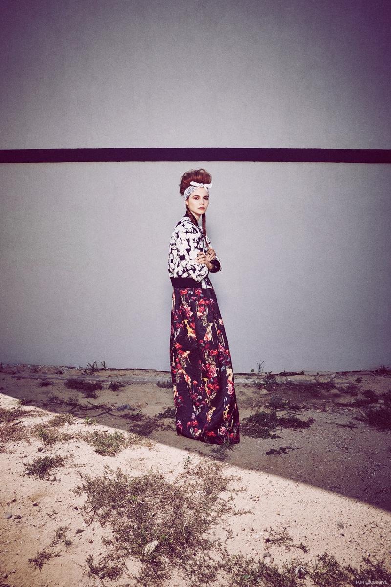 Jacket Maison Kitsuné, Dress Jonathan Cohen, Earrings Luz Ortiz, Rings Solomeina