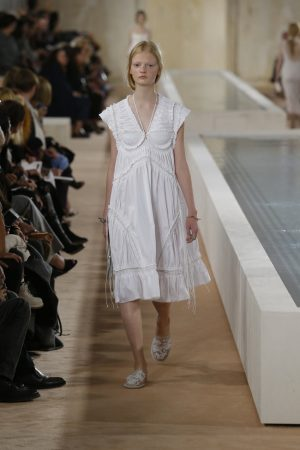 Balenciaga Spring 2016 | Paris Fashion Week