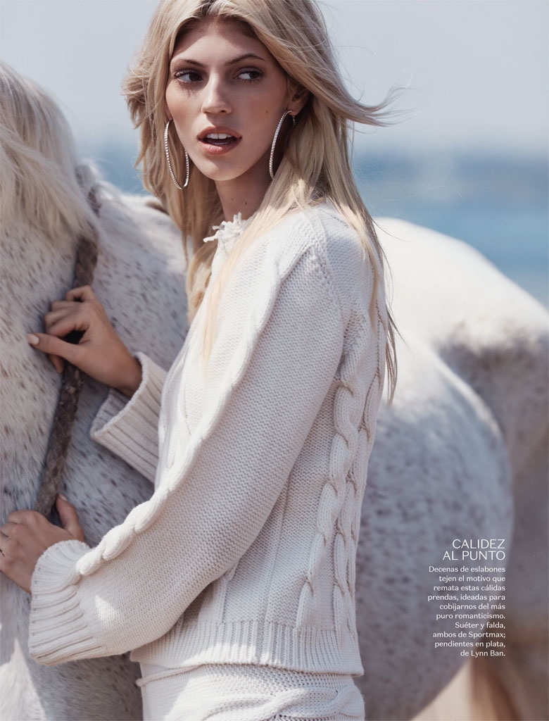 Devon-Windsor-Vogue-Mexico-November-2015-Photoshoot05