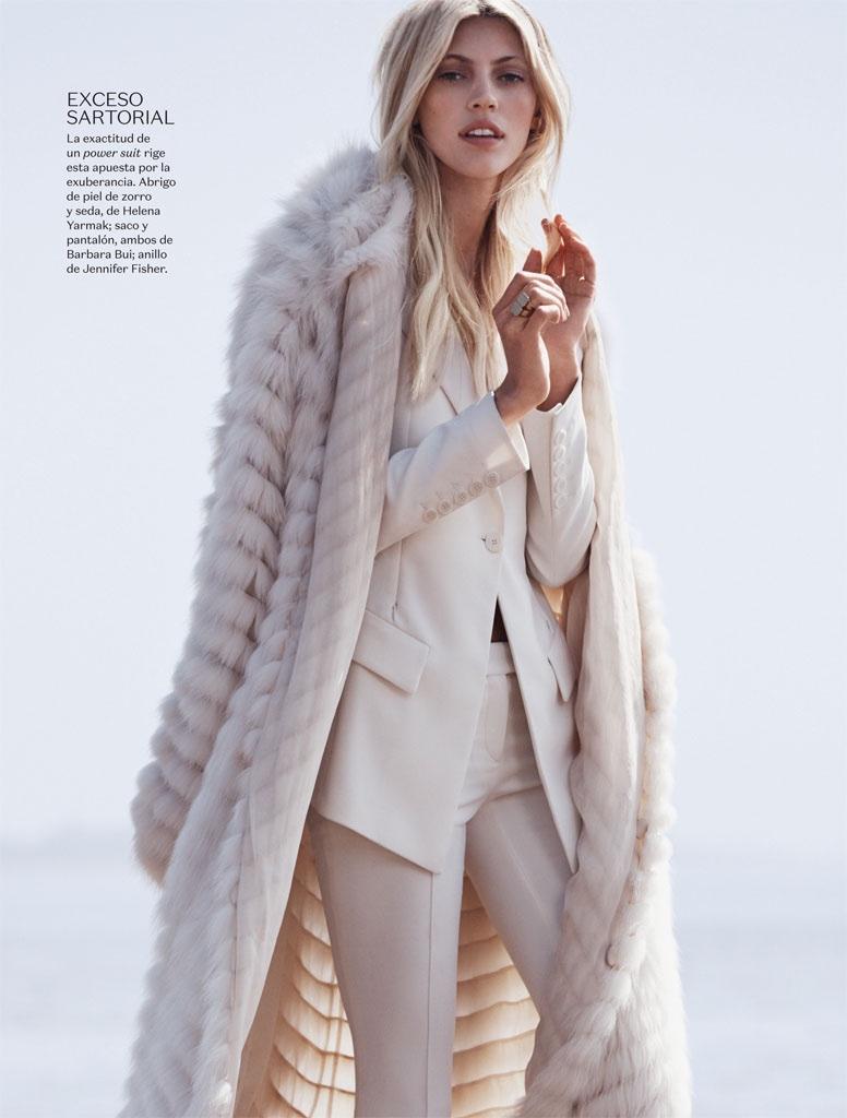 Devon-Windsor-Vogue-Mexico-November-2015-Photoshoot06
