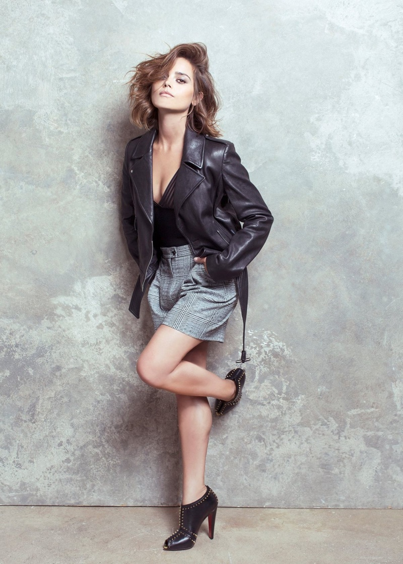 Jenna-Coleman-Harrods-Magazine-October-2015-Photoshoot02
