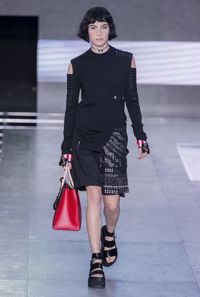 Louis Vuitton Spring 2016   Paris Fashion Week