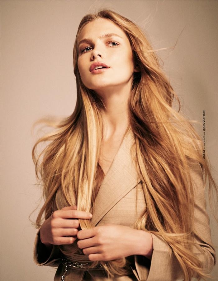 Aneta models Louis Vuitton look