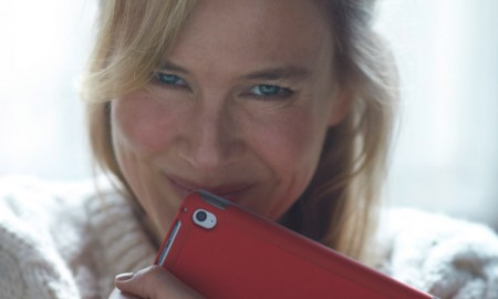 Renee Zellweger is back for 'Bridget Jones's Baby' which is the third installment in the Bridget Jones series. Working Title has released an image of Renee in character while clutching to an iPad.