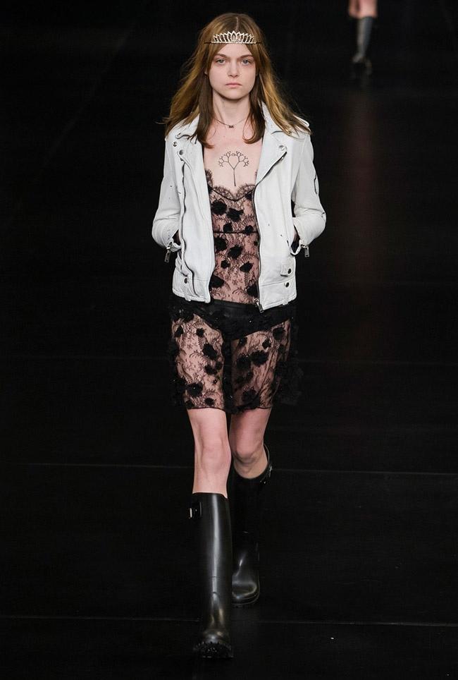 Saint Laurent Spring 2016 - Paris Fashion Week
