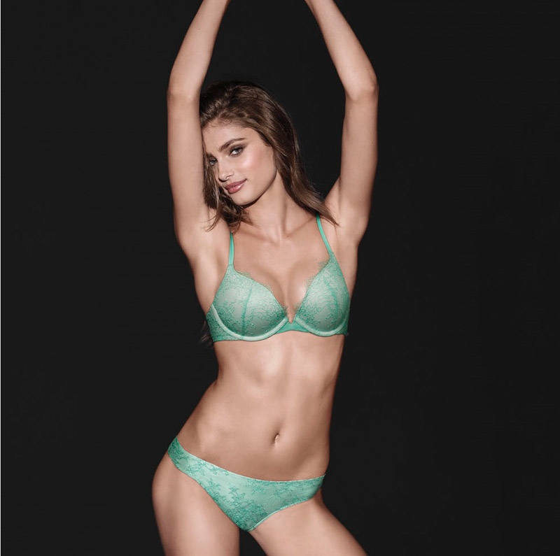 aea123a4db14 Taylor Hill Victoria's Secret 'So Obsessed' Push-Up Campaign ...