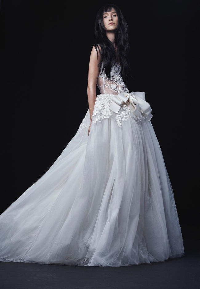 Vera wang bridal 2016 fall wedding dresses for Where to buy vera wang wedding dresses