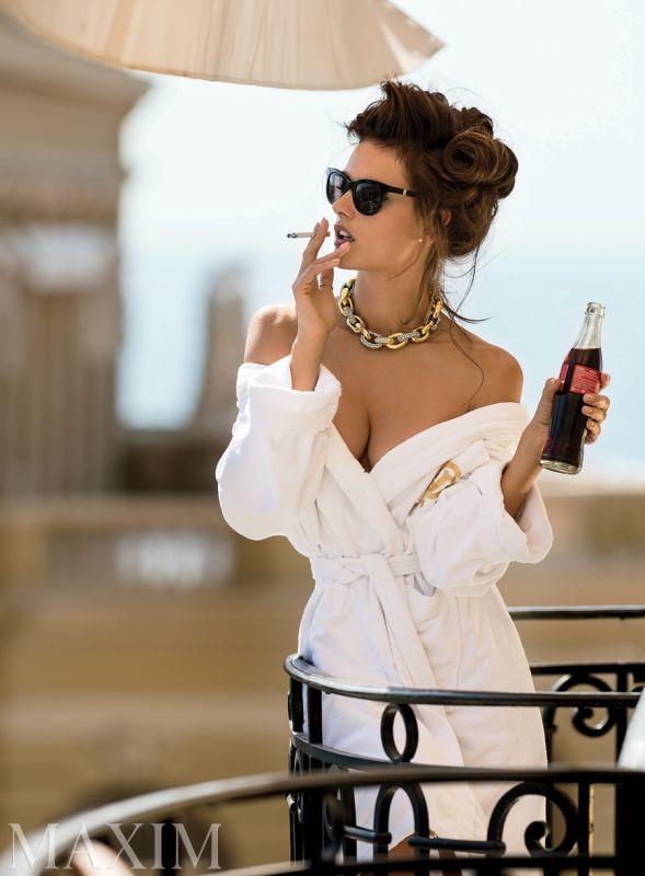 Alessandra-Ambrosio-Maxim-Magazine-Naked-2015-Photoshoot09