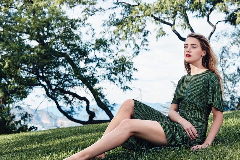 Amber-Heard-C-Magazine-November-2015-Cover-Photoshoot05