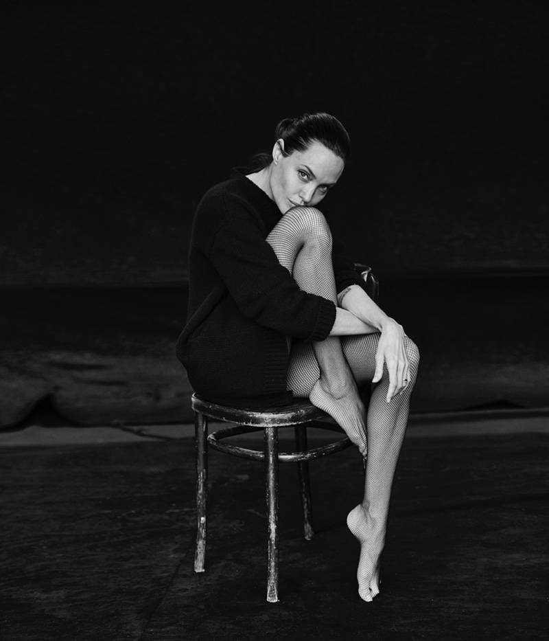 Angelina-Jolie-WSJ-Magazine-November-2015-Pictures06