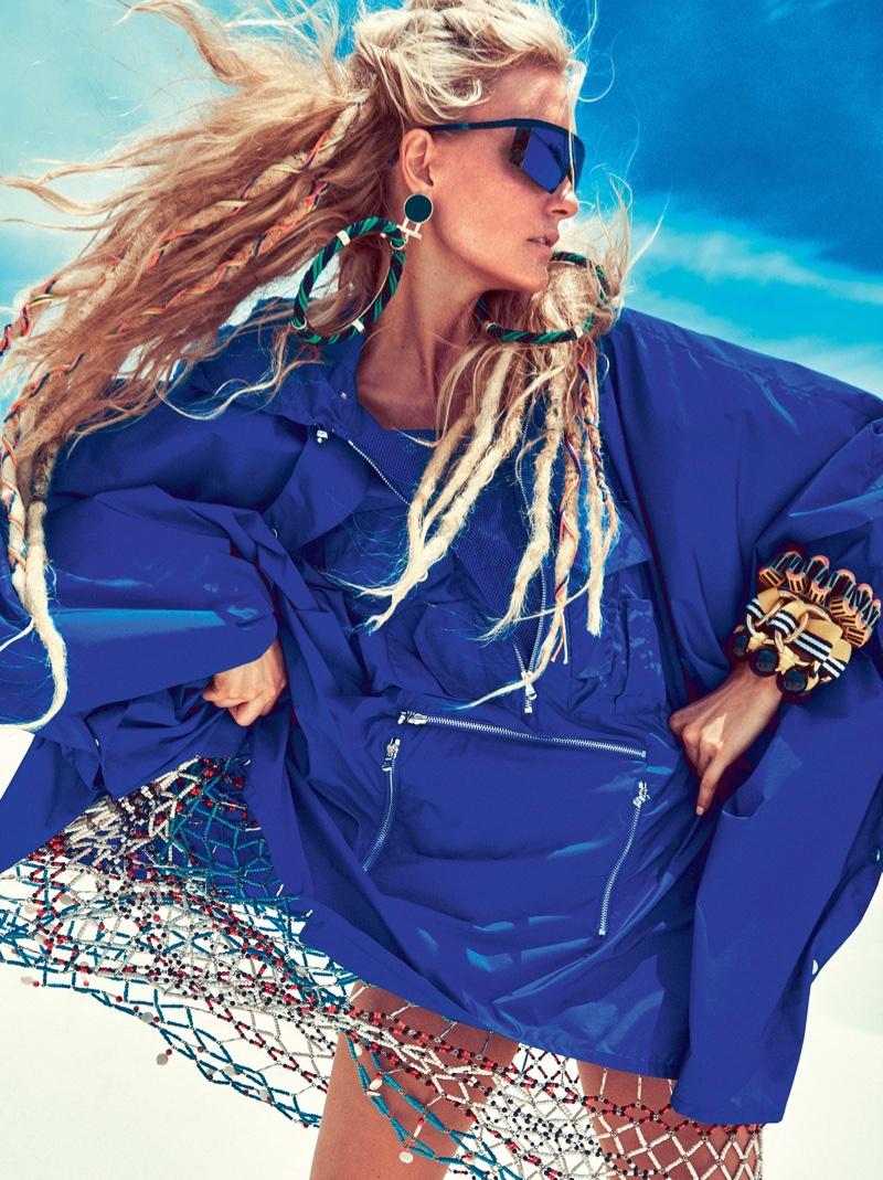 Caroline-Trentini-Beach-Fashion-Vogue-Brazil02