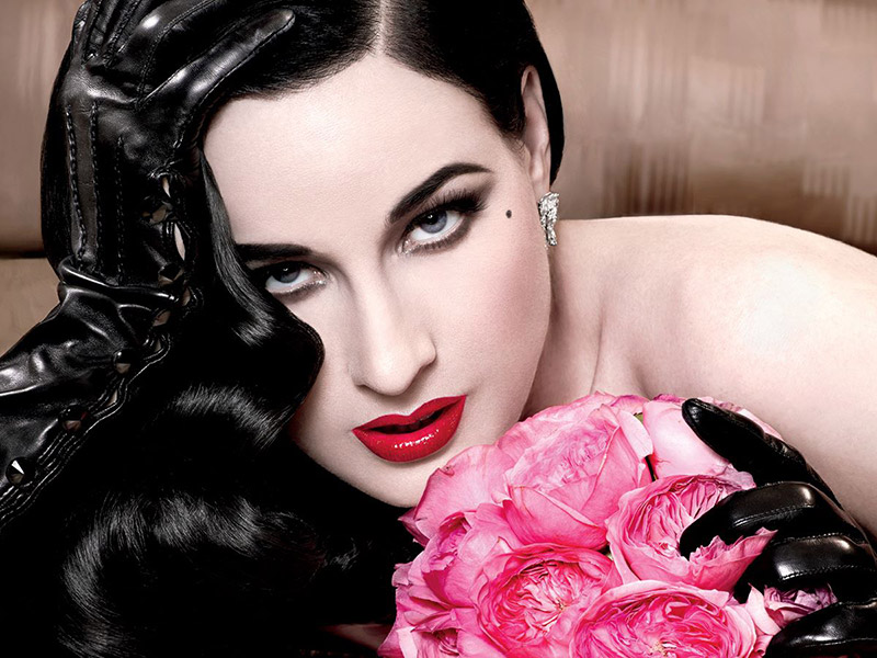Red Kiss: Dita Von Teese Links with MAC Cosmetics