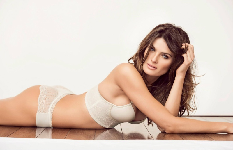 Isabeli-Fontana-Leonisa-Lingerie-2015-Campaign-Pictures03