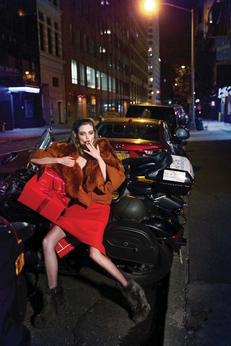 Lindsey-Wixson-Vogue-Korea-December-2015-Cover-Pictures09
