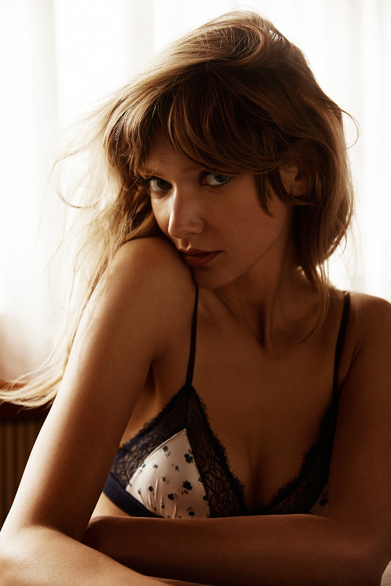 Lingerie-Sweaters-Fashion-Editorial08
