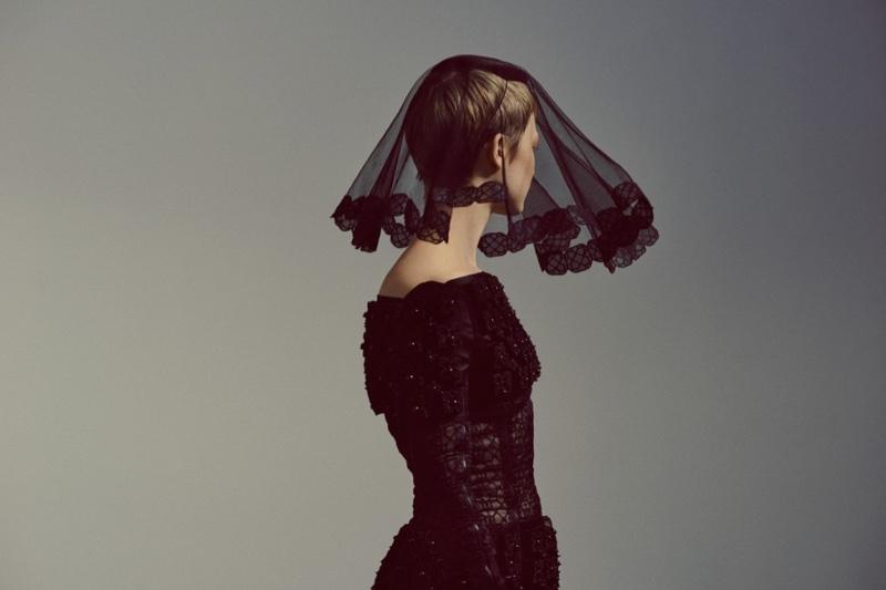 Mia-Wasikowska-Flaunt-Magazine-2015-Cover-Photoshoot05