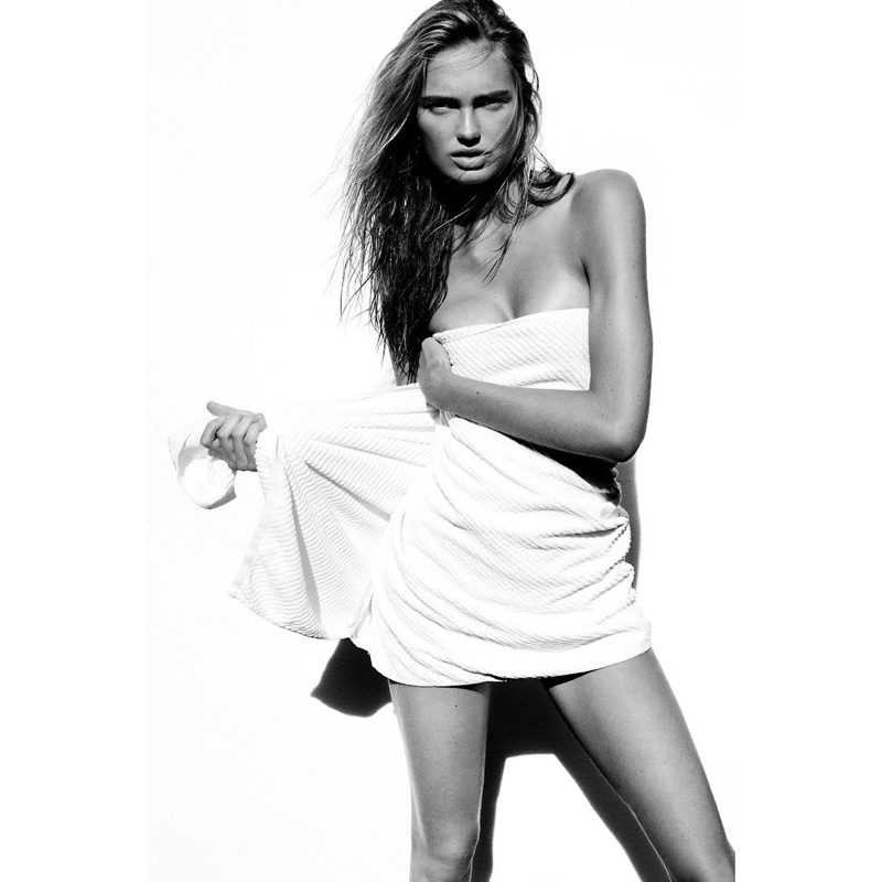 Citaten Strijd Instagram : Romee strijd hot mario testino towel series