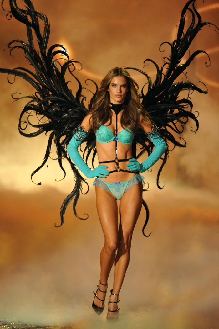 12 of Alessandra Ambrosio's Hottest Victoria's Secret Runway Moments