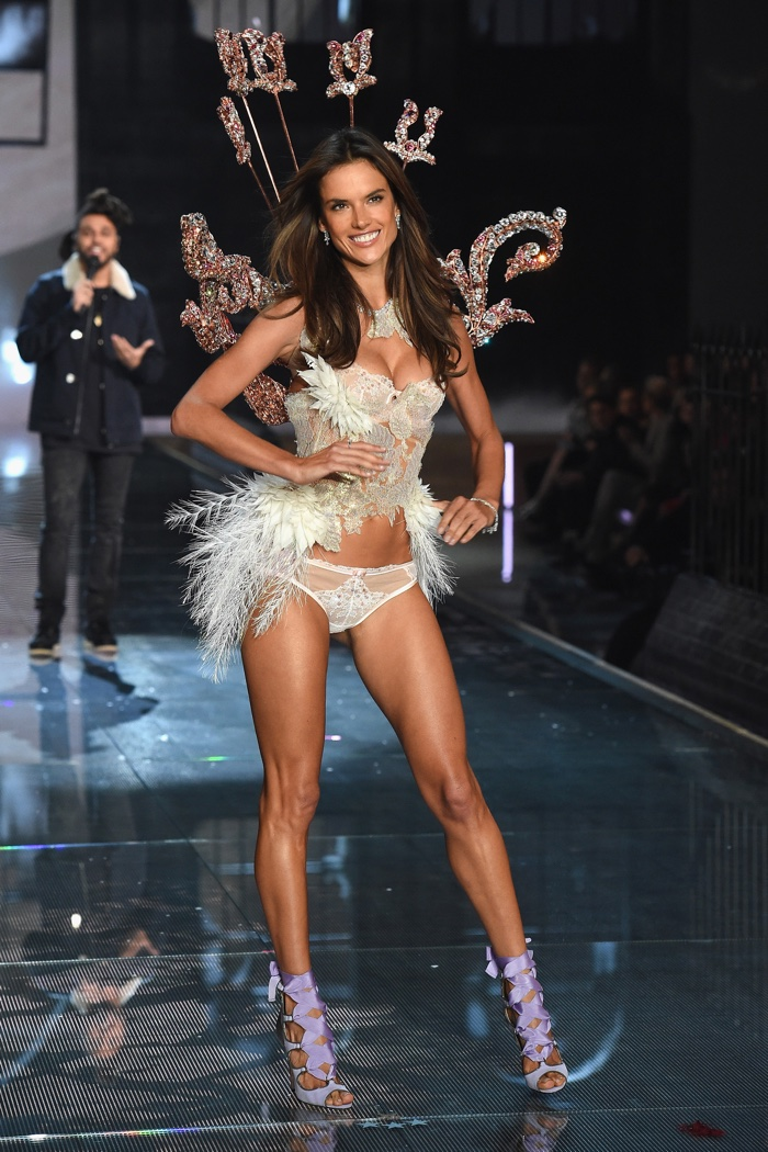 Alessandra Ambrosio Victoria S Secret Runway Amp Fashion