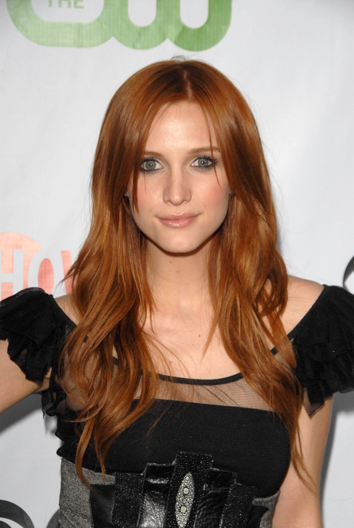 Singer Ashlee Simpson was a red head for a sort period of time. Here she is with light auburn locks. Photo: s_bukley / Shutterstock.com