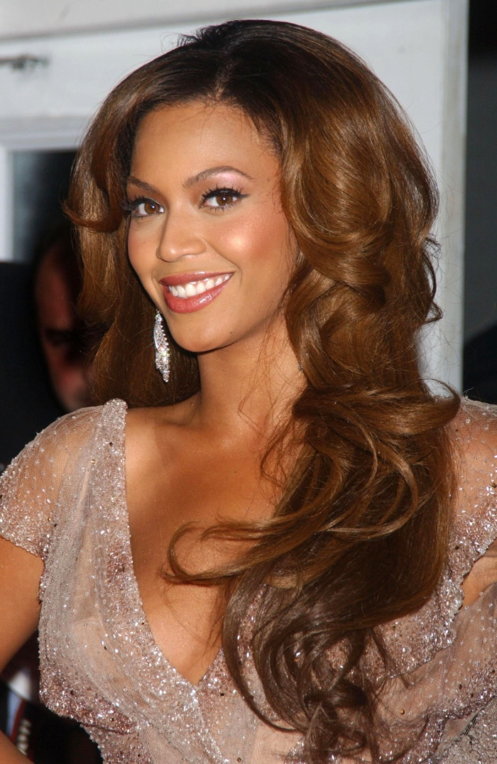 beyonce updo hairstyles : Beyonce-Long-Chestnut-Brown-Hair
