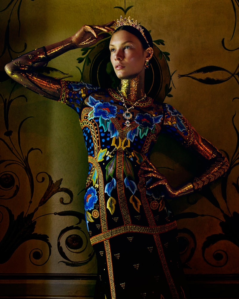 Embellished-Dresses-Gowns-How-Spend-It-Editorial03