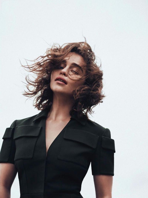 Emilia-Clarke-Dior-Magazine-Winter-2015-Cover-Pictures07