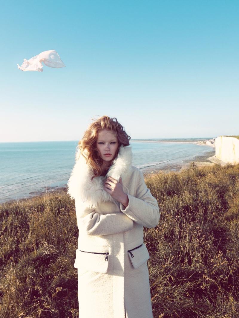 Hollie-May-Saker-Vogue-China-December-2015-Editorial04