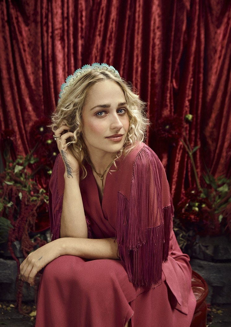 Jemima-Kirke-Bust-Magazine-December-2015-Cover-Photoshoot05