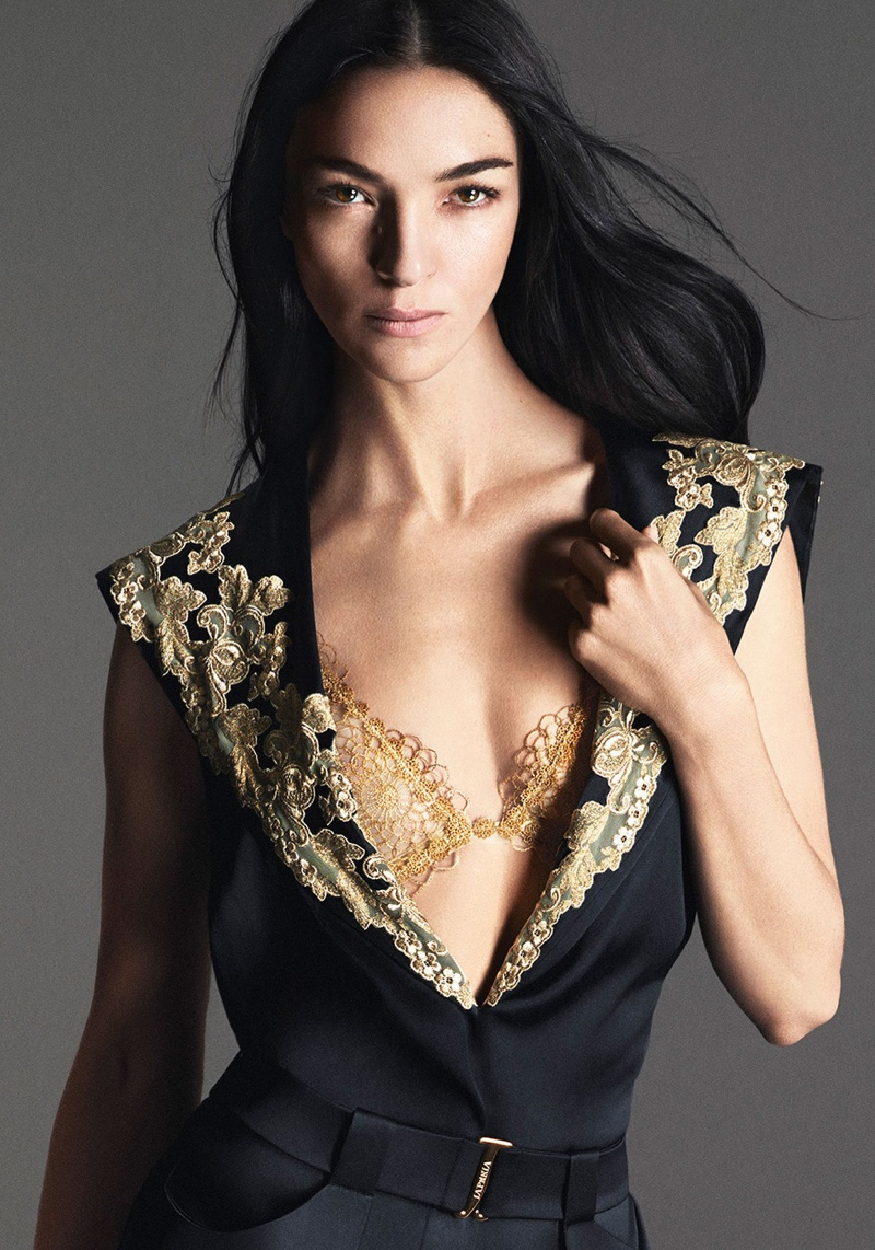 See Even More Of Images Of La Perla's Sultry Spring 2016 Campaign