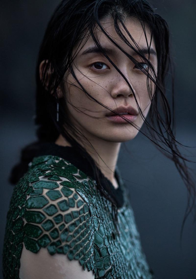 Ming-Xi-Vogue-China-January-2016-Photoshoot12