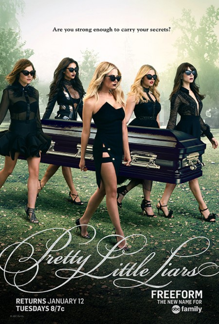The 'Pretty Little Liars' Cast Looks Sexy in Black for Season 6 Promos