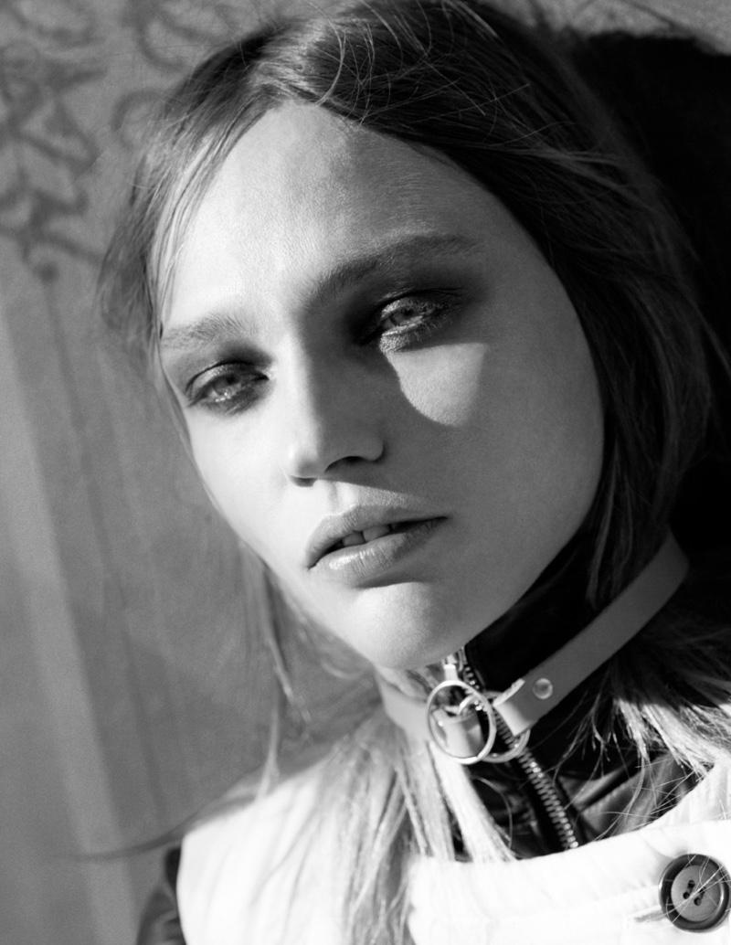 Sasha-Pivovarova-Intermission-Magazine-Fall-Winter-2015-Cover-Pictures02