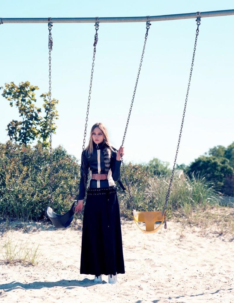 Sasha-Pivovarova-Intermission-Magazine-Fall-Winter-2015-Cover-Pictures08