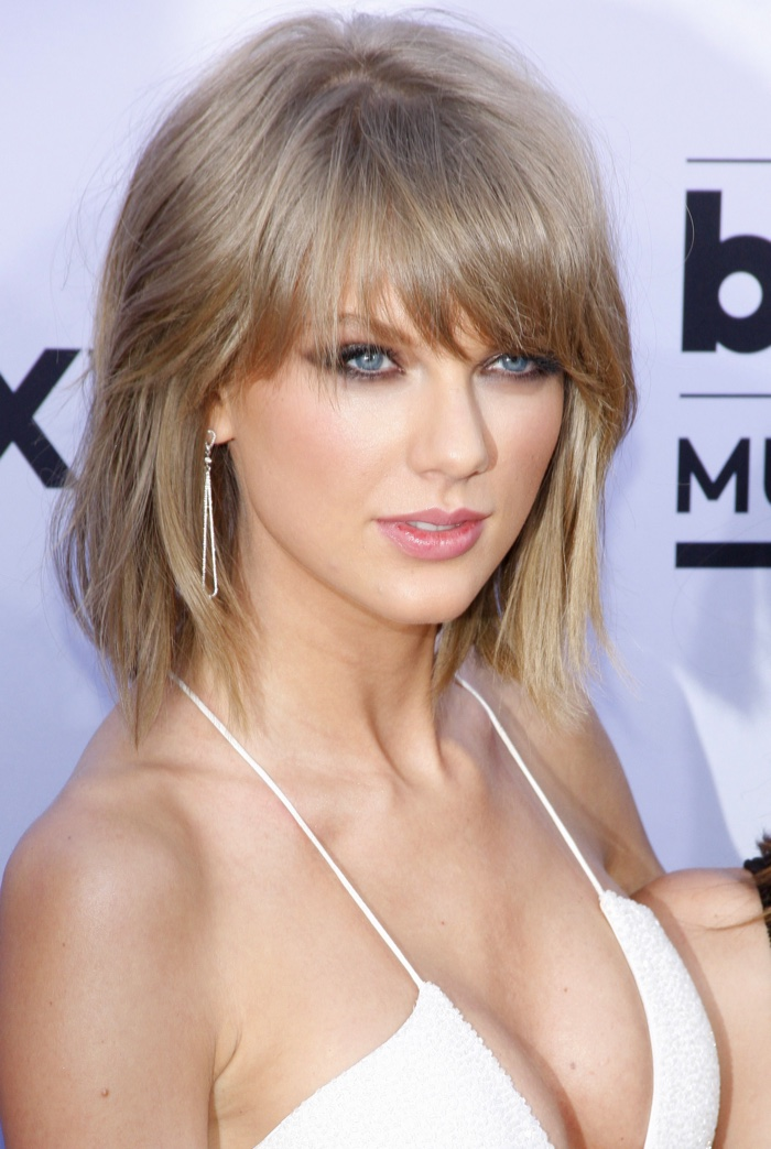 Taylor Swift Hair: Taylor Swift with Long amp; Short Hair