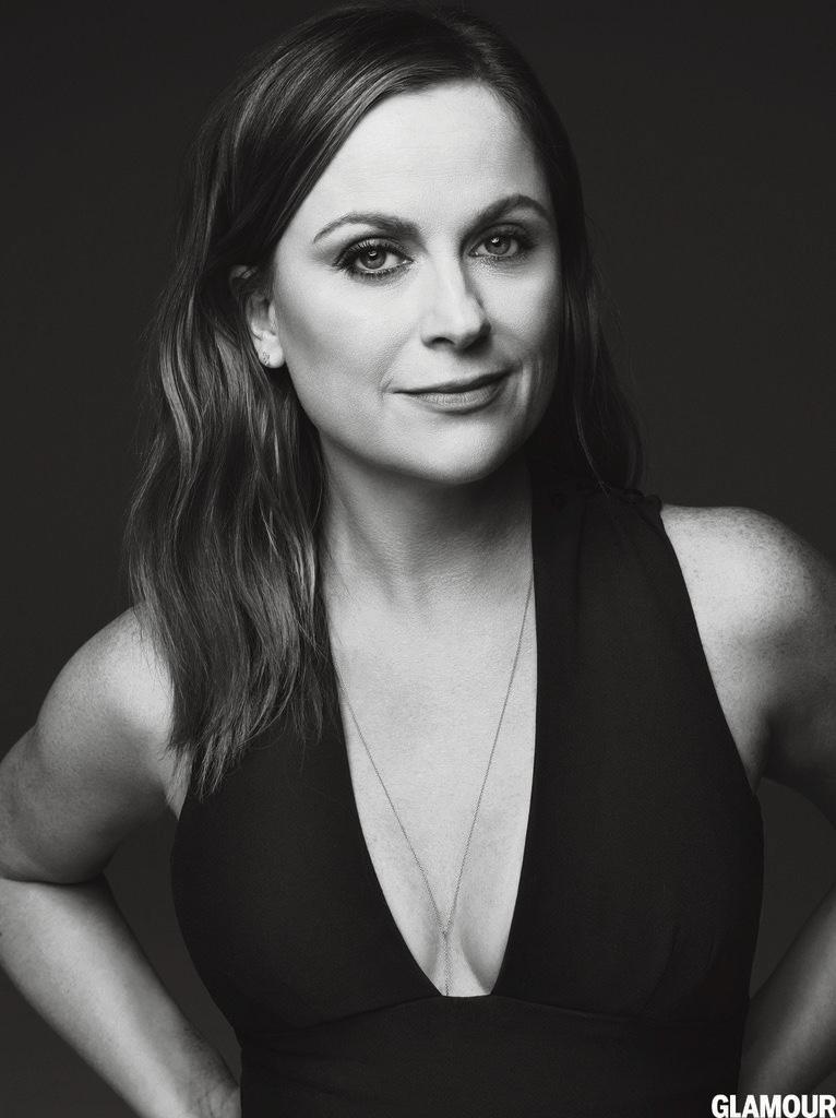 Tina-Fey-Amy-Poehler-Glamour-Magazine-January-2016-Cover-Photoshoot02