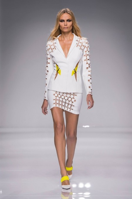 Atelier Versace Does Sporty Glam for Spring 2016 Couture